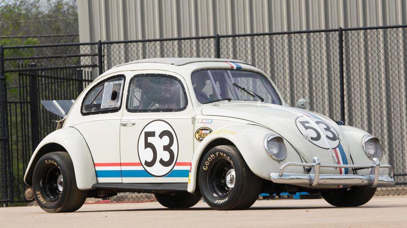 'Herbie' el Volkswagen escarabajo de las películas Disney con el número 53.